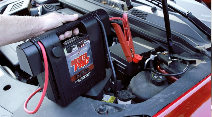 roadside-assistance-services-24-7-lockout-and-gasoline-delivery