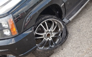 plat tire replacement services damage flat tire